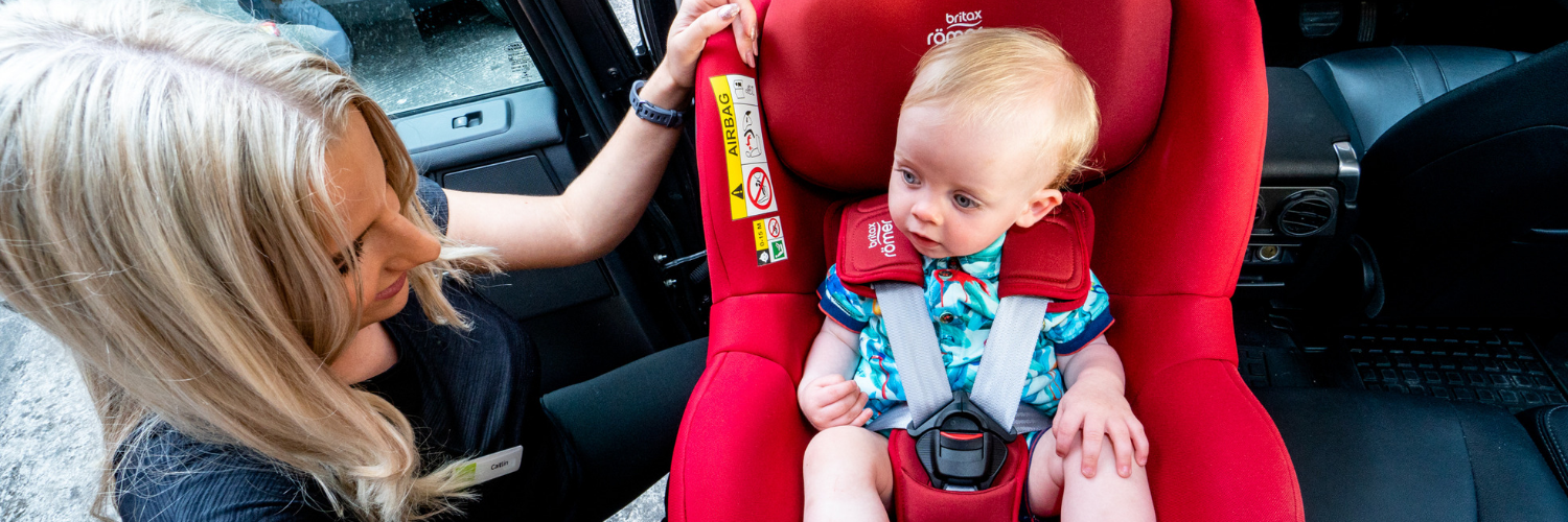 Britax Dualfix i-Size installed in car